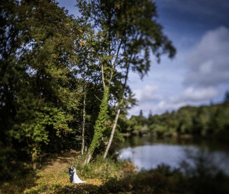 parc paysager avec étang ideal photos de mariage à rennes