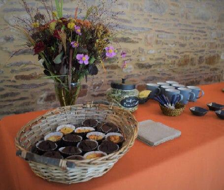 évènement professionnel avec pause café d'accueil et formules traiteur lors d'un séminaire rennais dans une ambiance d'hôtel particulier