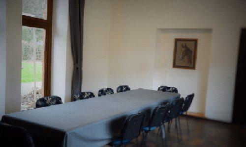 salle de reunion capacité accueil 27 personnes- pour assemblee generale ou comite de direction