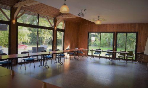 location espace et salles de reunions avec lumiere du jour pour seminaire et journee convivialite entreprise